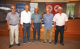 Από αριστερά ο  Πρόεδρος της ΕΤΑΝΑΠ κος Μ. Αποστολάκης, ο Πρόεδρος της ΑΝΕΚ κος Γ. Κατσανεβάκης, ο Πρόεδρος του ΠΛΑΤΑΝΙΑ κος Μ. Μαθιουλάκης, ο Αναπληρωτής Δ/νων Σύμβουλος της ΑΝΕΚ κος Γ. Αρχοντάκης,  και ο Τεχνικός της Ομάδας κ. Γ.Παράσχος