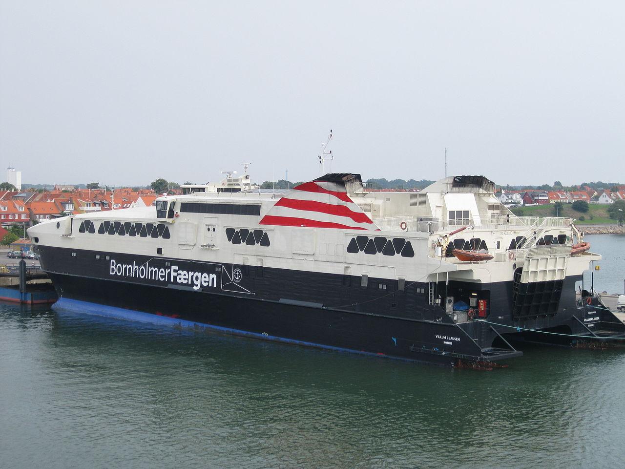 1280px-Ship_Villum_Clausen_2011